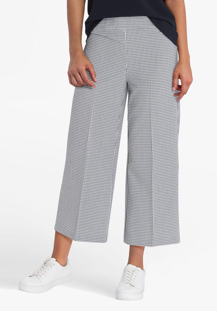Pantalon 7/8 à carreaux noirs et blancs