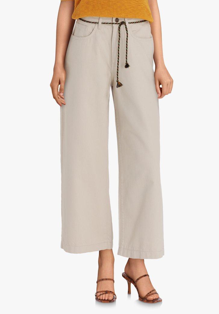 Pantalon beige à ceinture corde