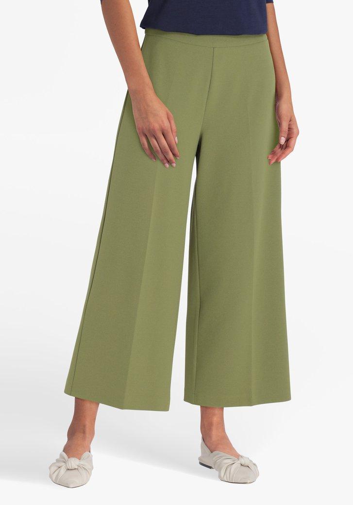 Pantalon trois-quarts large vert olive