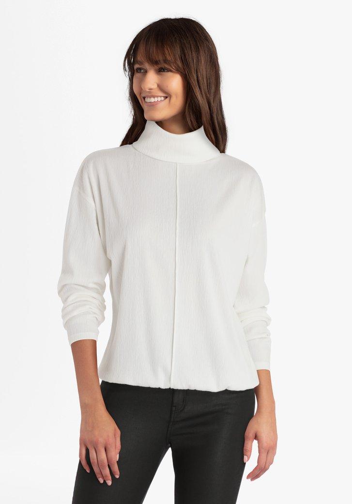 Pull blanc en tissu texturé avec col roulé