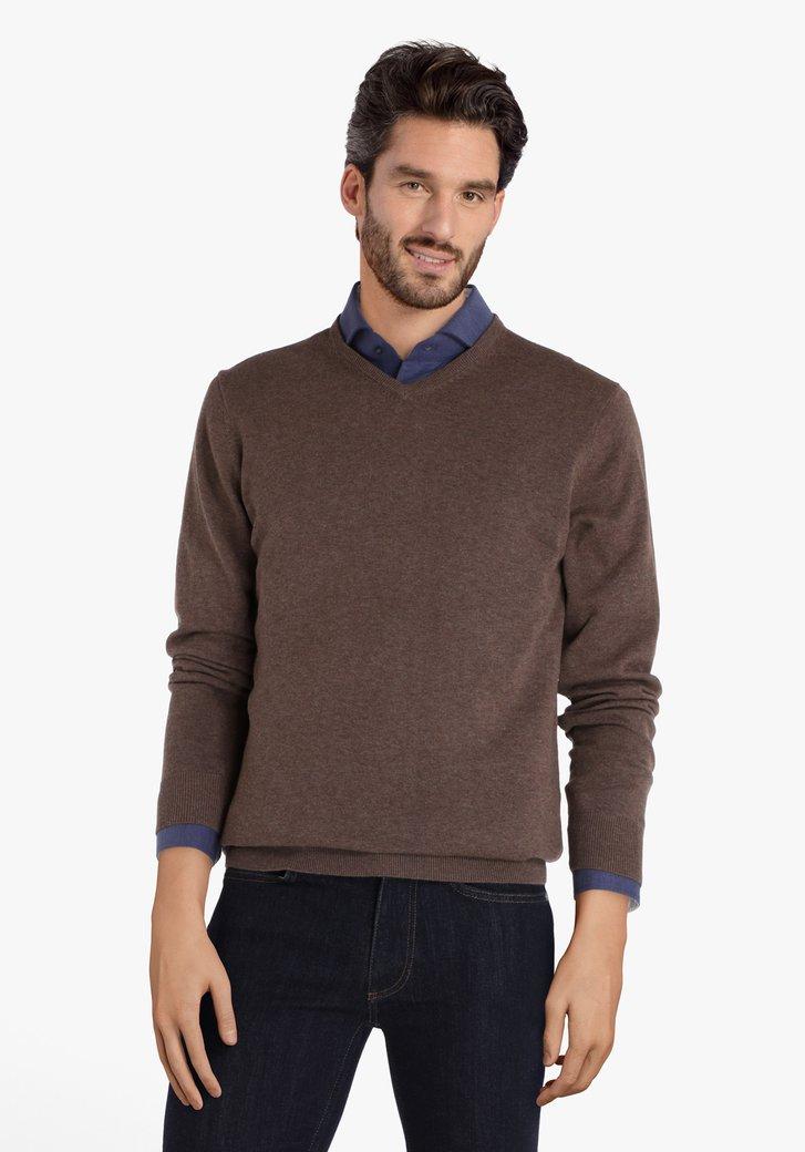 Pull en coton brun avec encolure en V