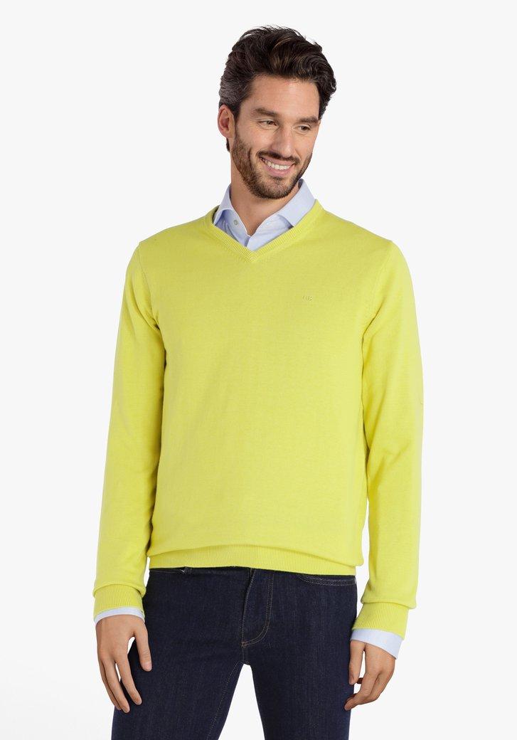 Pull en coton jaune avec col en V