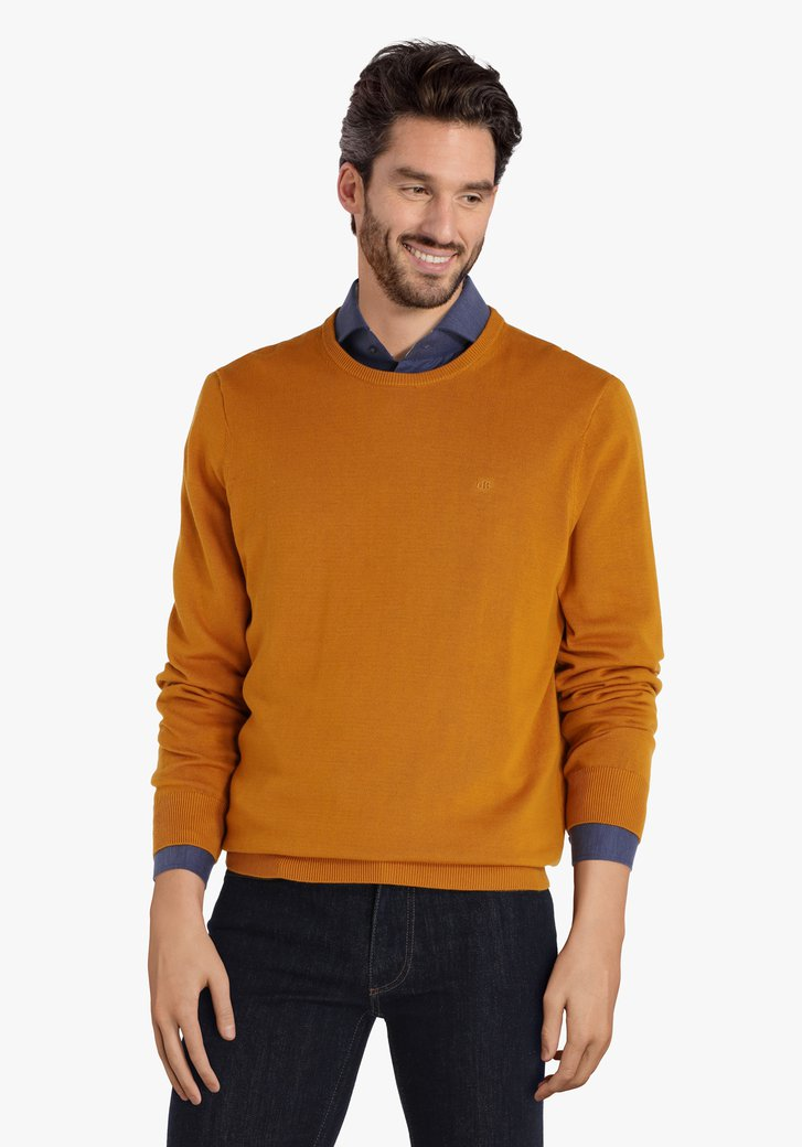 Pull en coton jaune-orange à encolure arrondie