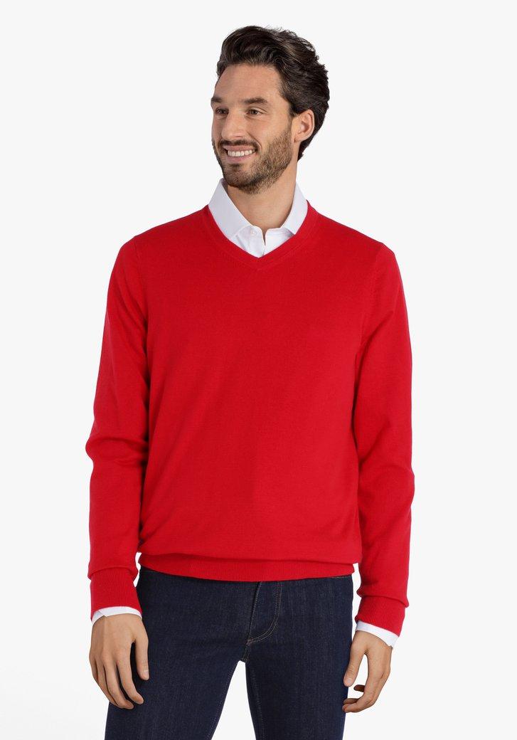 Pull en coton rouge avec col en V