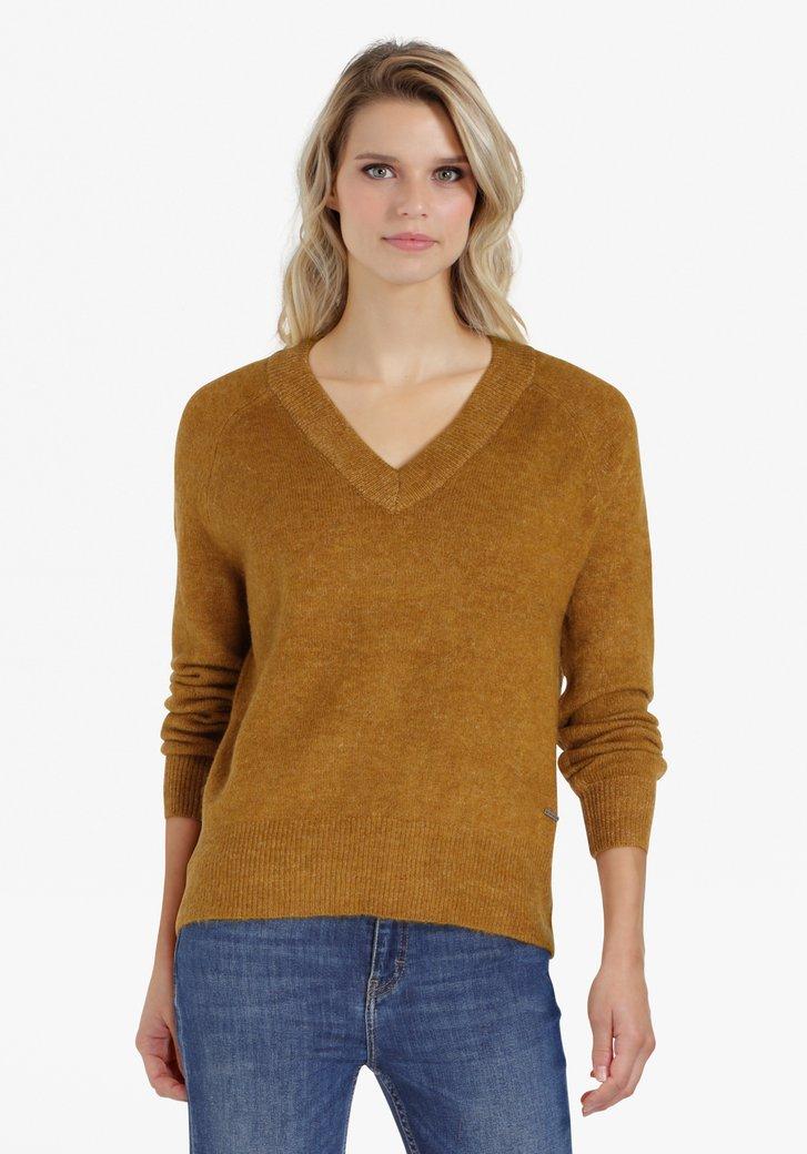 Pull en tricot brun doré avec col en V