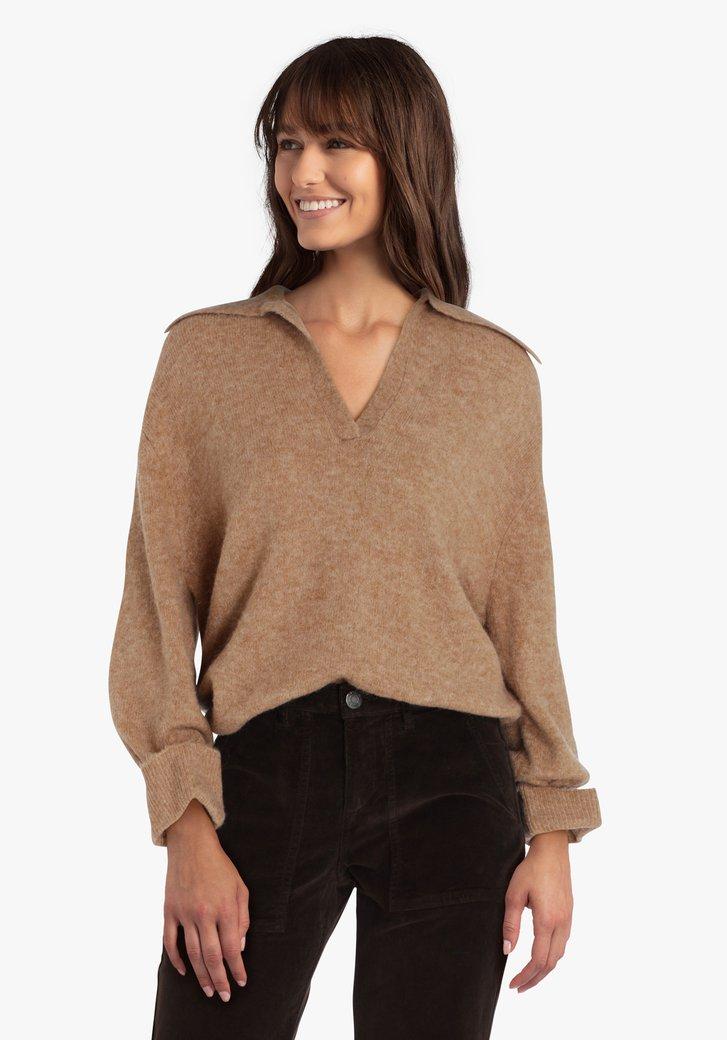 Pull en tricot brun