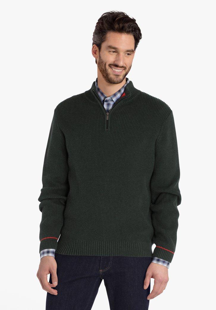 Pull en tricot vert olive avec tirette courte