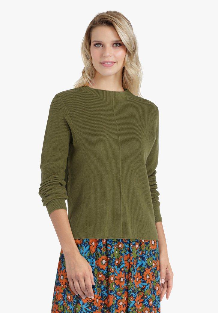 Pull en tricot vert olive