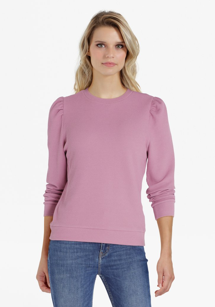 Pull lilas avec manches accentuées