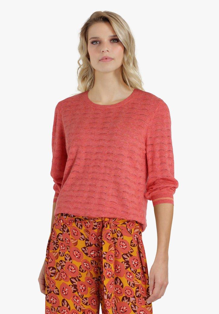 Pull rouge-orange en tissu texturé