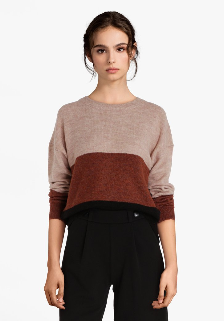 Pull tricoté en 3 couleurs