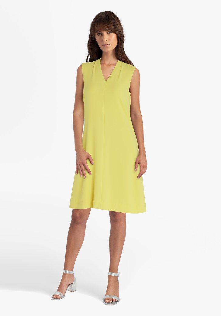 Robe jaune avec col en V