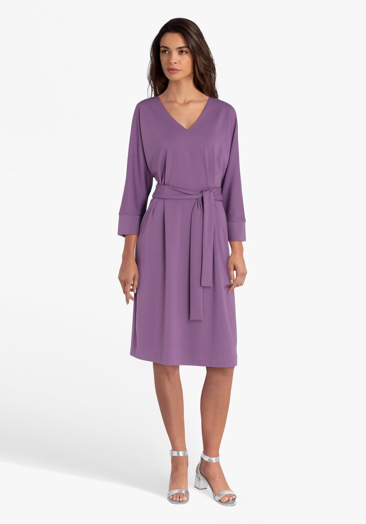 Robe violette avec ruban