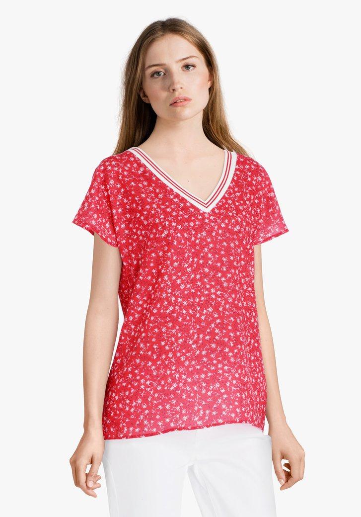 Rode blouse met fijne print