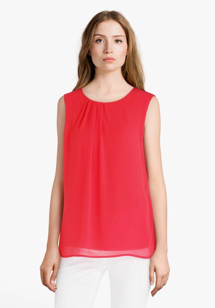 Rode blouse met plooitjes