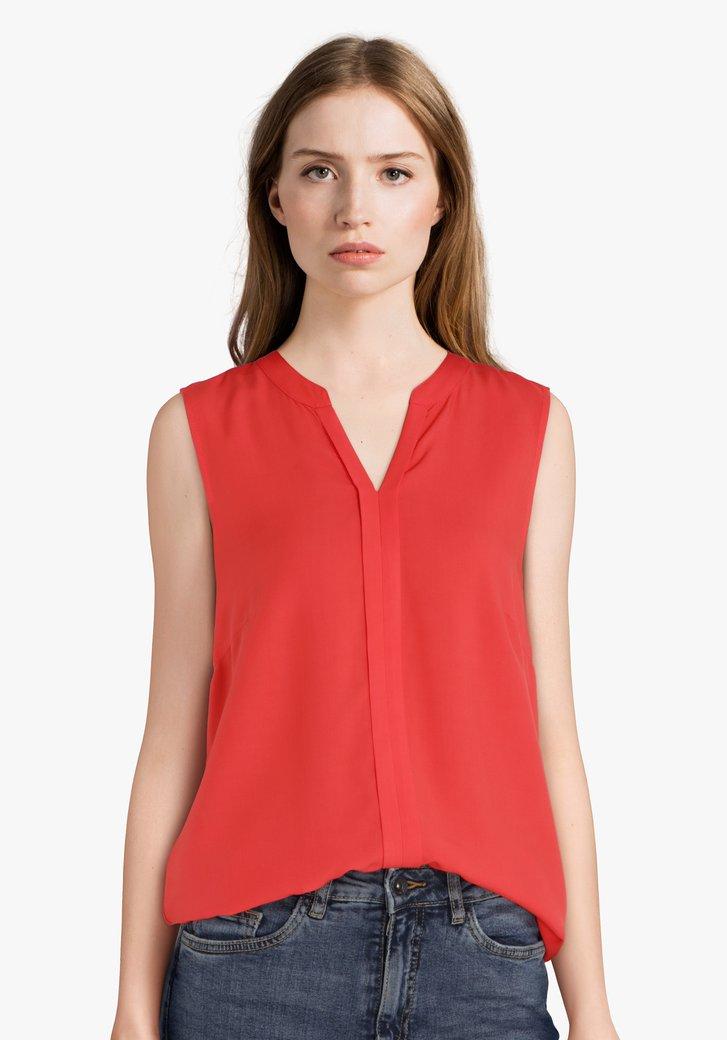 Rode blouse zonder mouwen en met V-hals