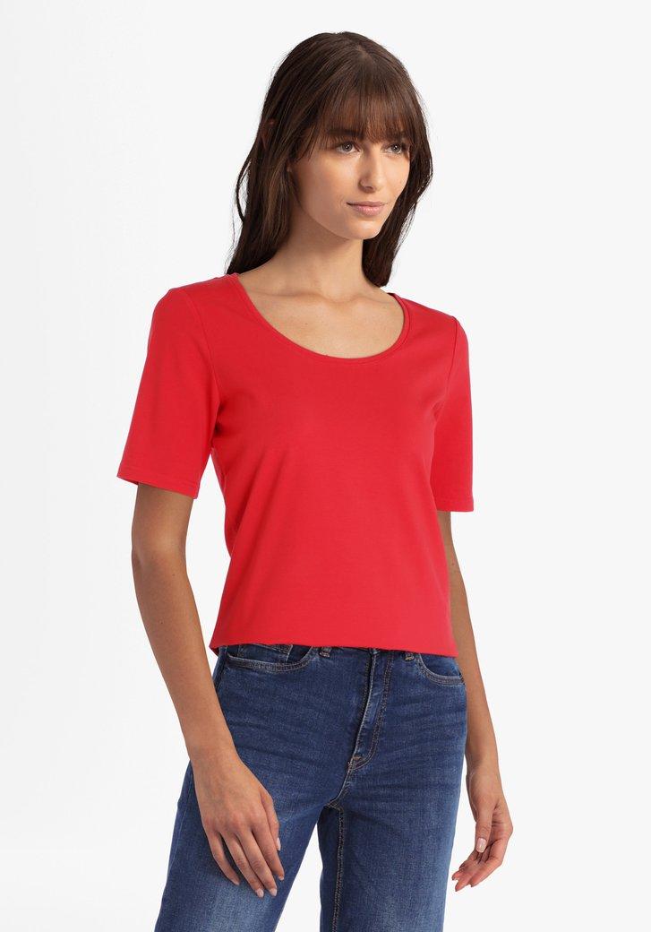 Rode katoenen T-shirt met ronde hals