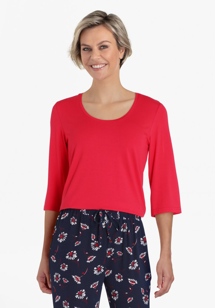 Rode T-shirt met 3/4 mouwen