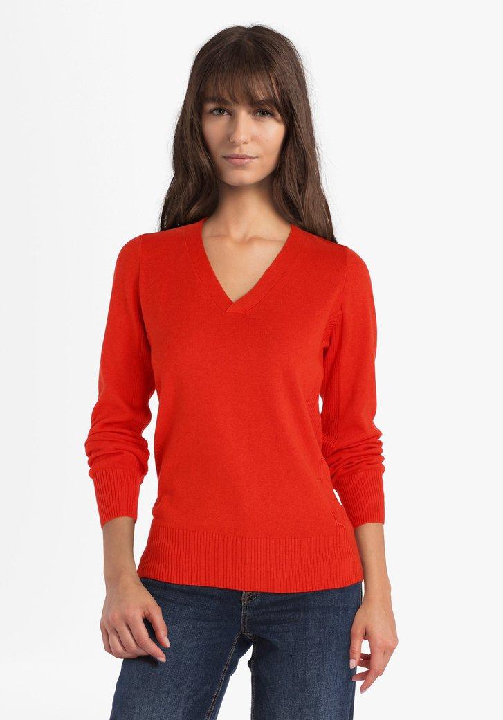Rode trui met V-hals