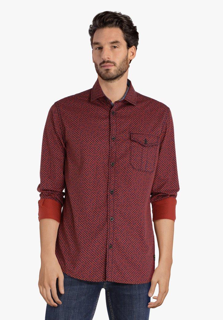 Rood hemd met blauwe print