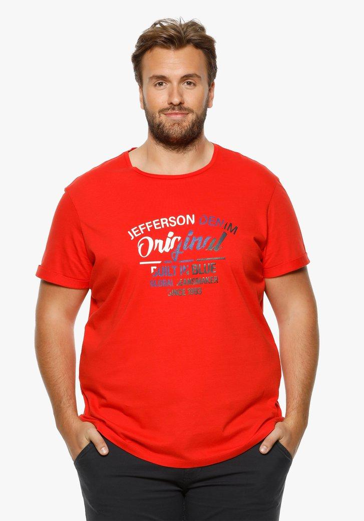 Rood T-shirt met opschrift