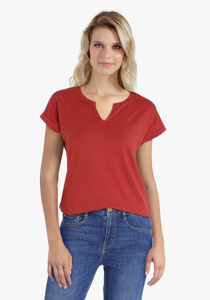 Roodbruine T-shirt met kleine V-hals