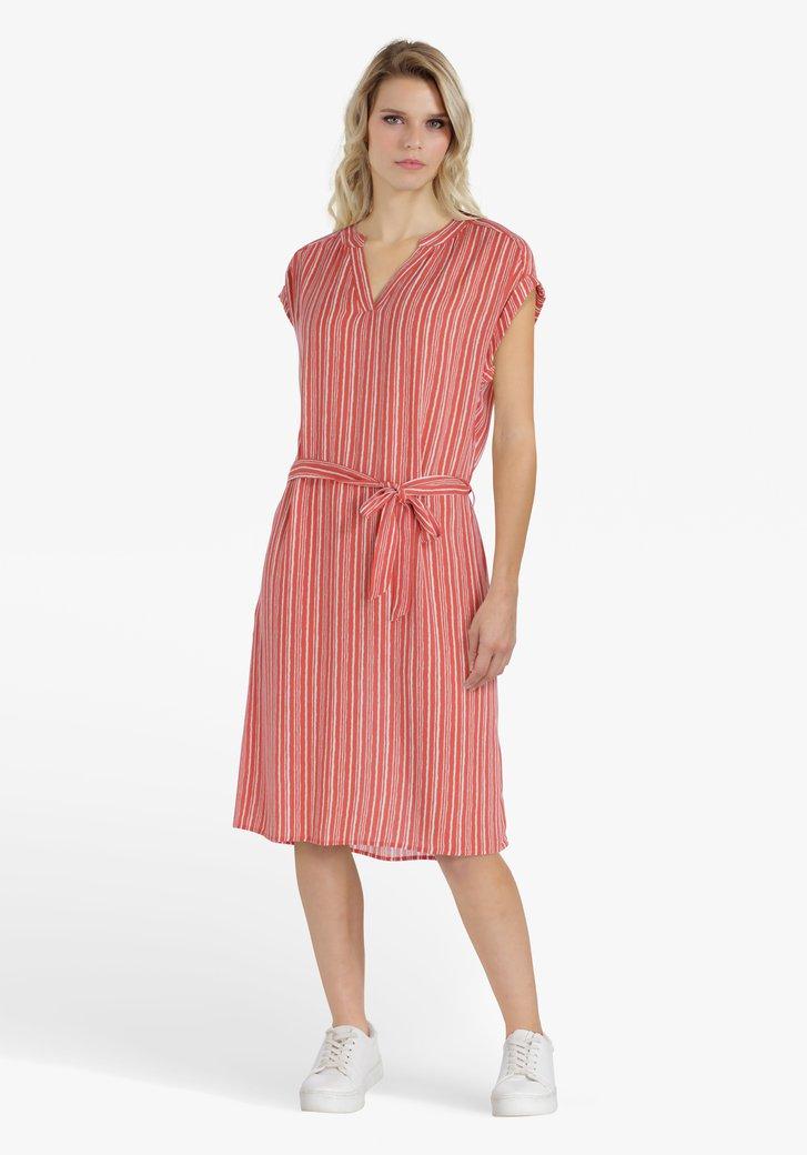 Roodoranje kleed met witte strepen