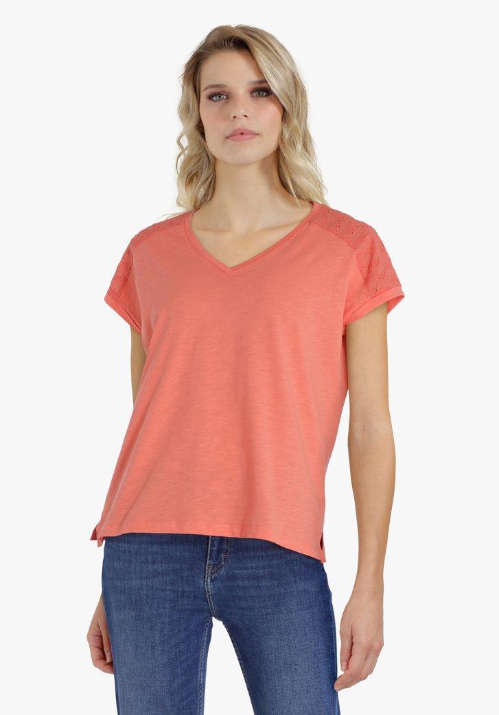 Roodoranje T-shirt met details op de schouders