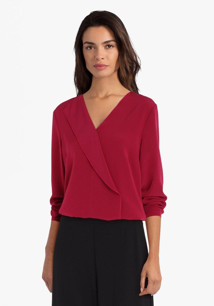 Roodroze blouse met V-hals