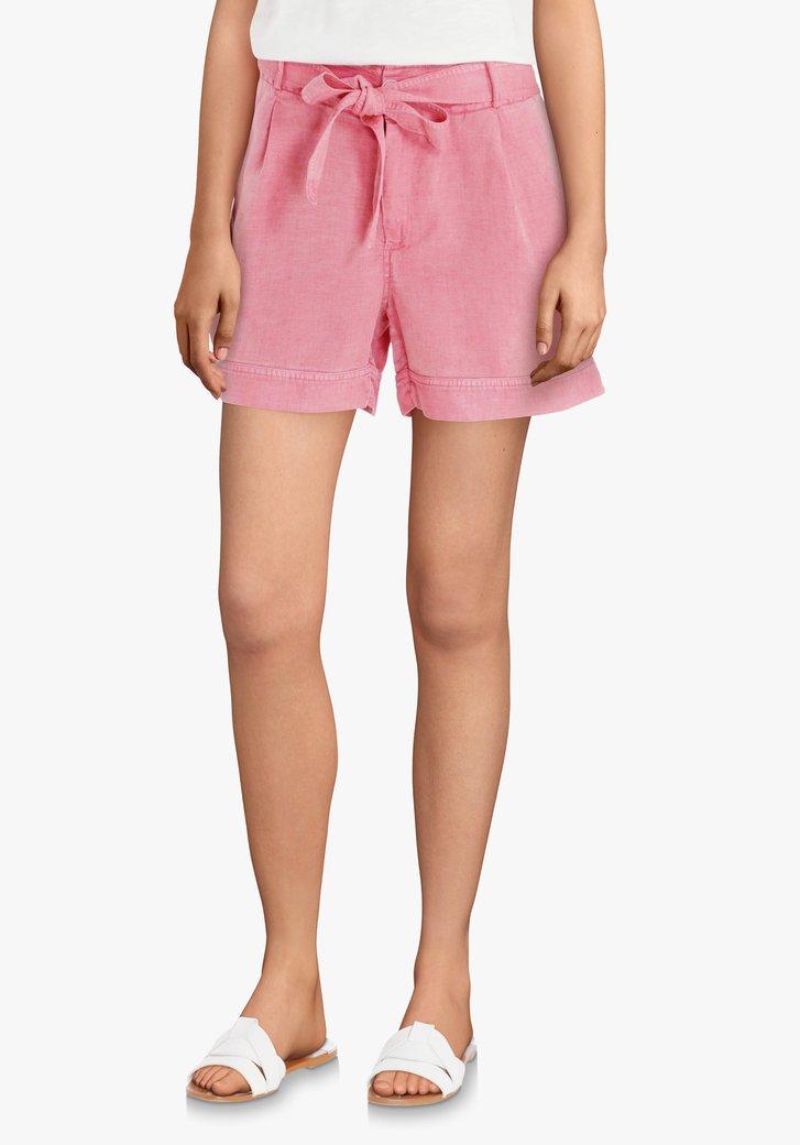 Roze short met linnen