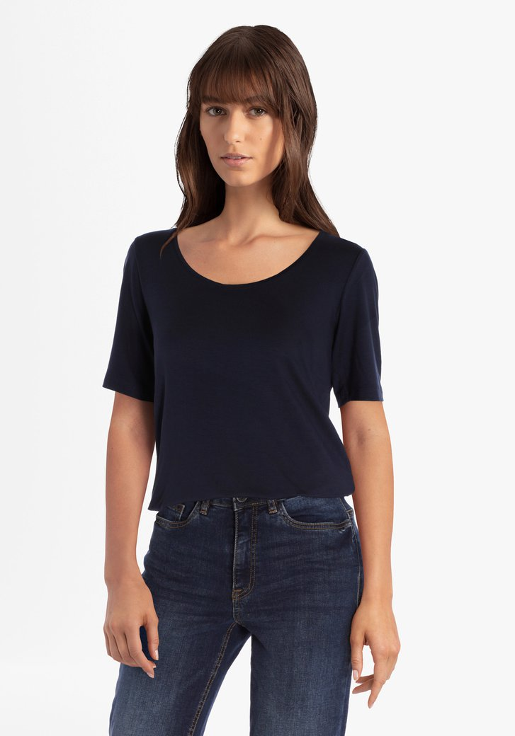T-shirt bleu foncé à col rond