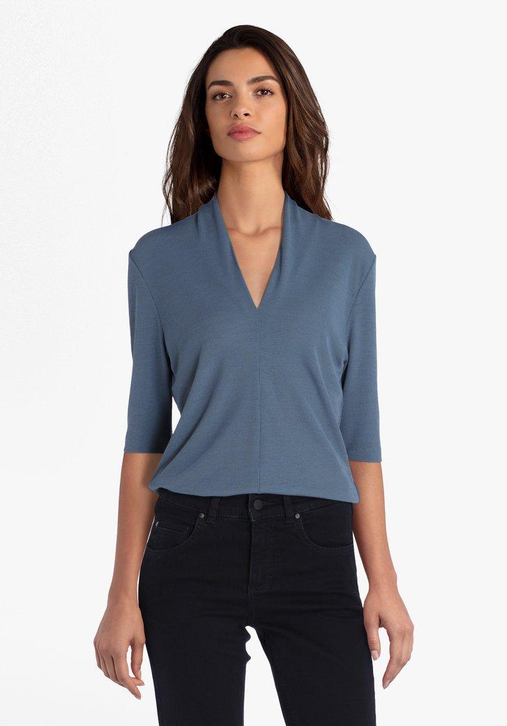 T-shirt bleu-vert clair avec col en V