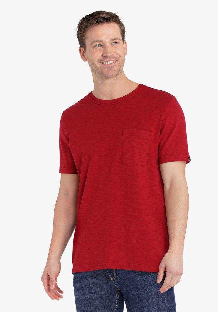 T-shirt bordeaux avec poche sur la poitrine