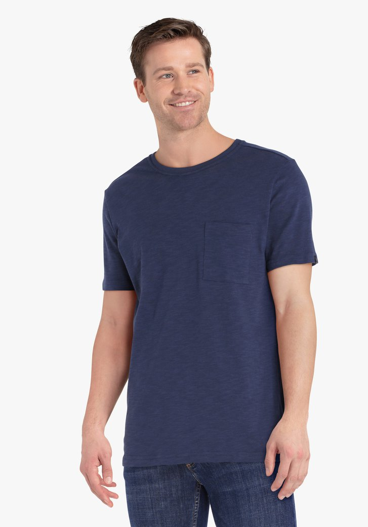 T-shirt en coton bleu foncé avec poche de poitrine