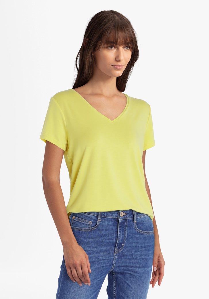 T-shirt jaune clair avec col en V