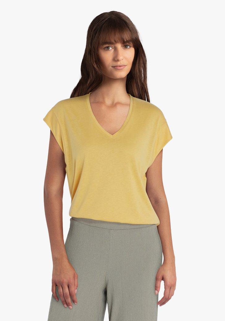 T-shirt jaune d'or avec encolure en V