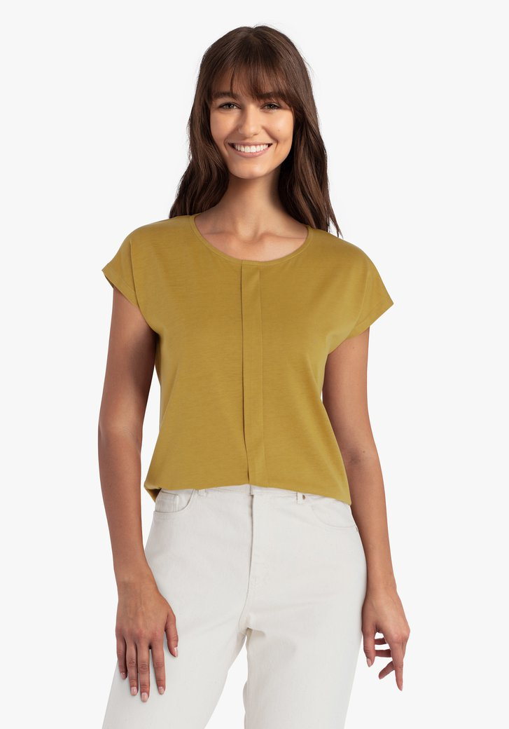 T-shirt marron avec un détail vertical
