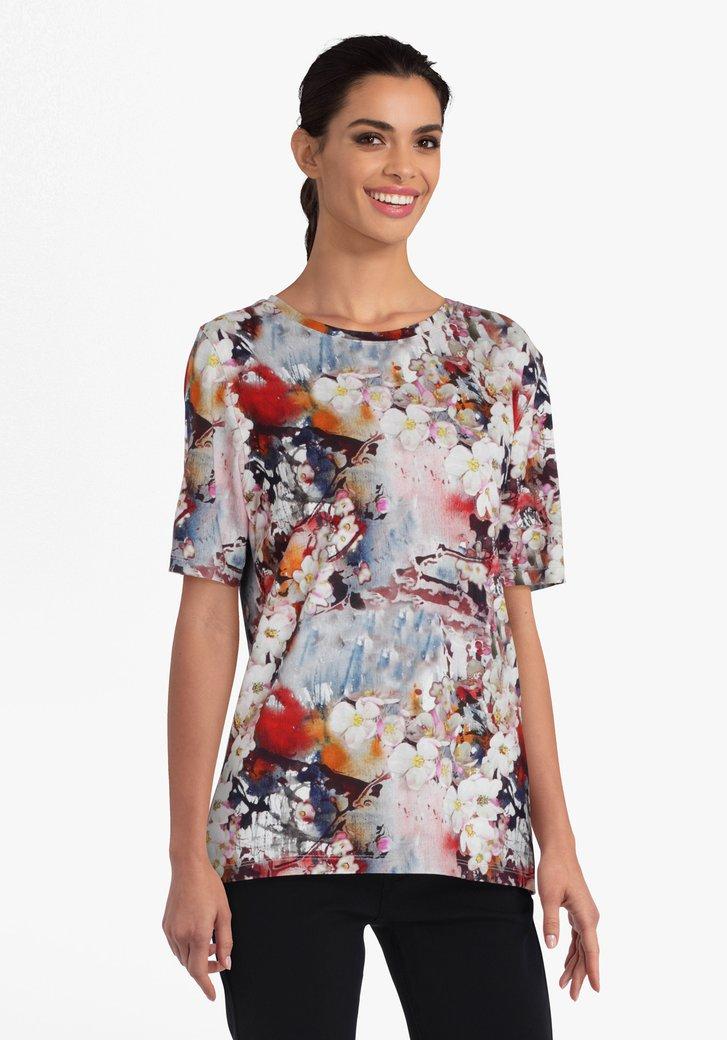 T-shirt met bloemenprint in verschillende kleuren