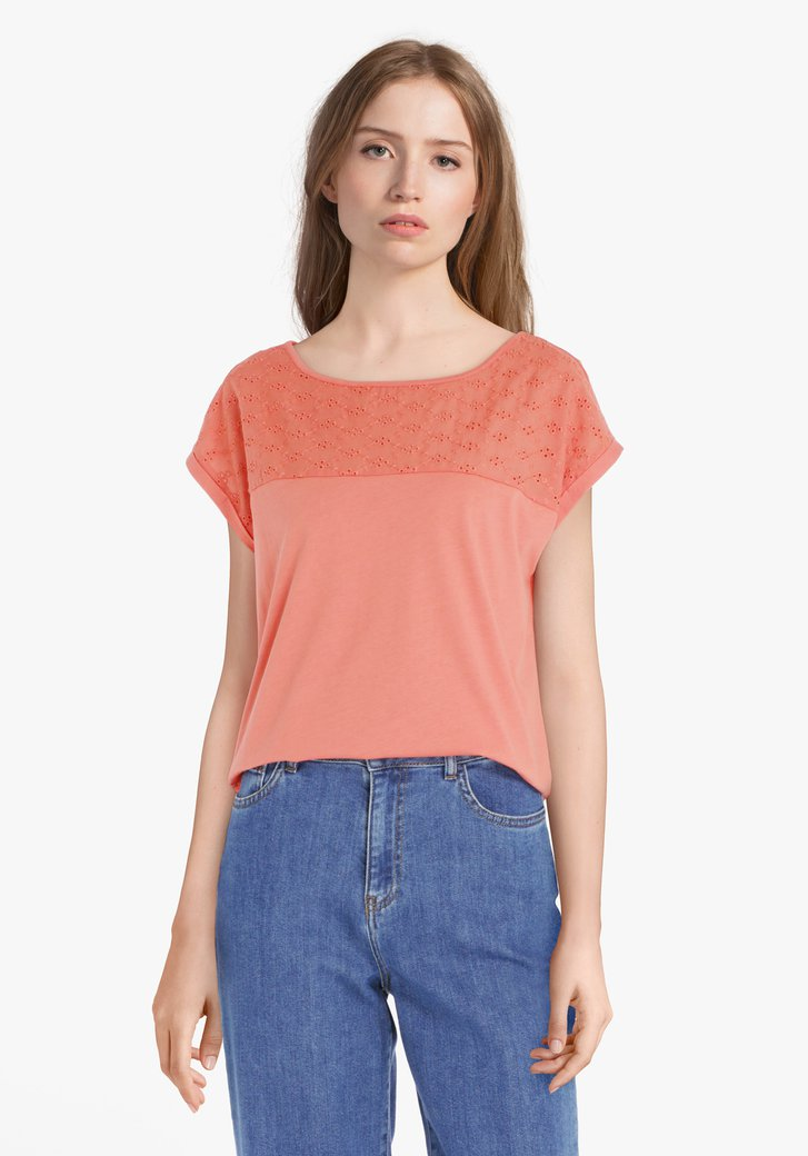 T-shirt rouge corail avec broderie anglaise