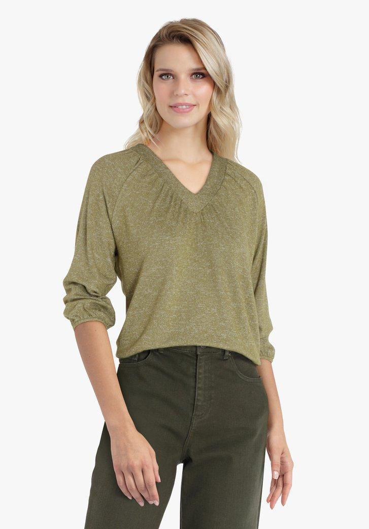 T-shirt vert olive avec encolure en V