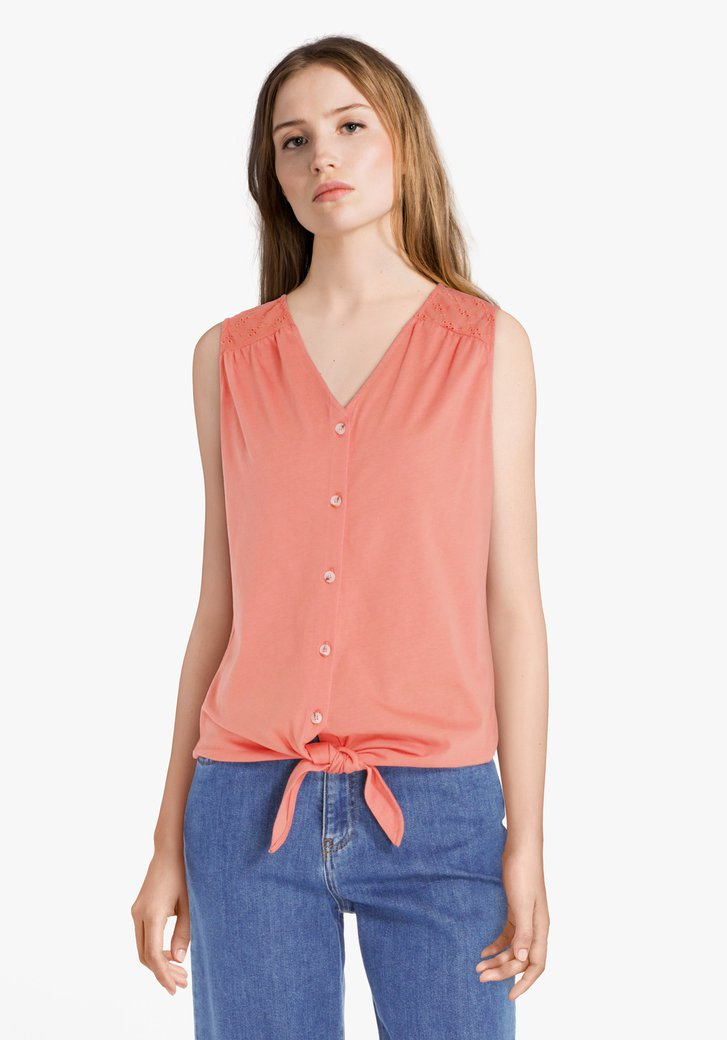 Top rouge corail avec broderie anglaise