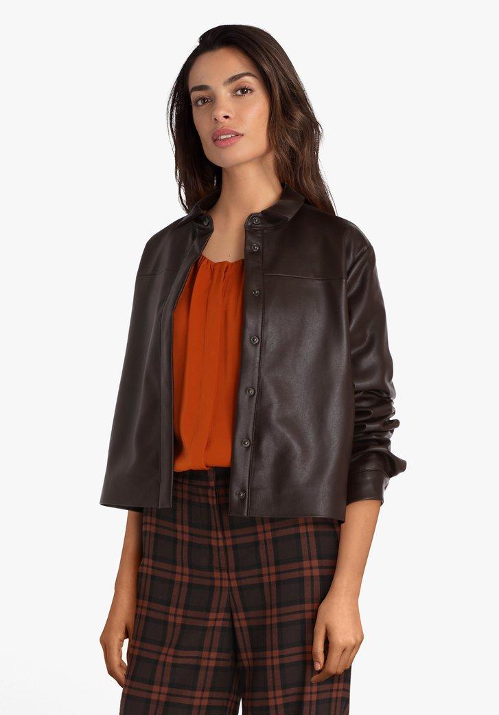 Veste brun foncé à l'aspect cuir