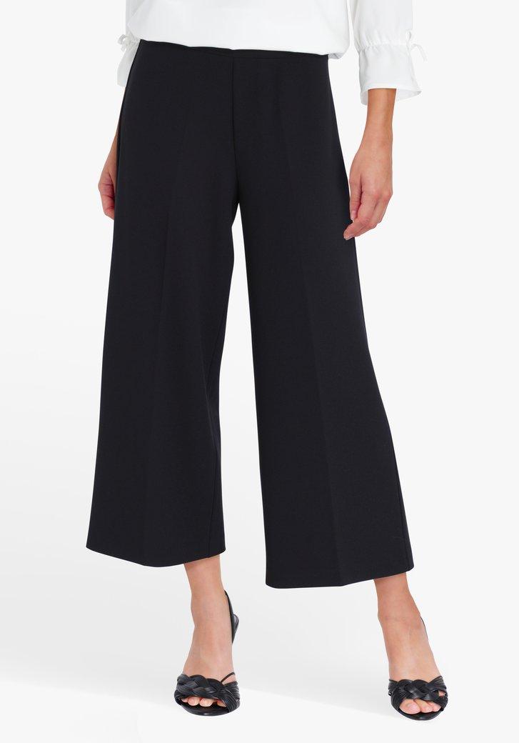 Wijde zwarte driekwart broek