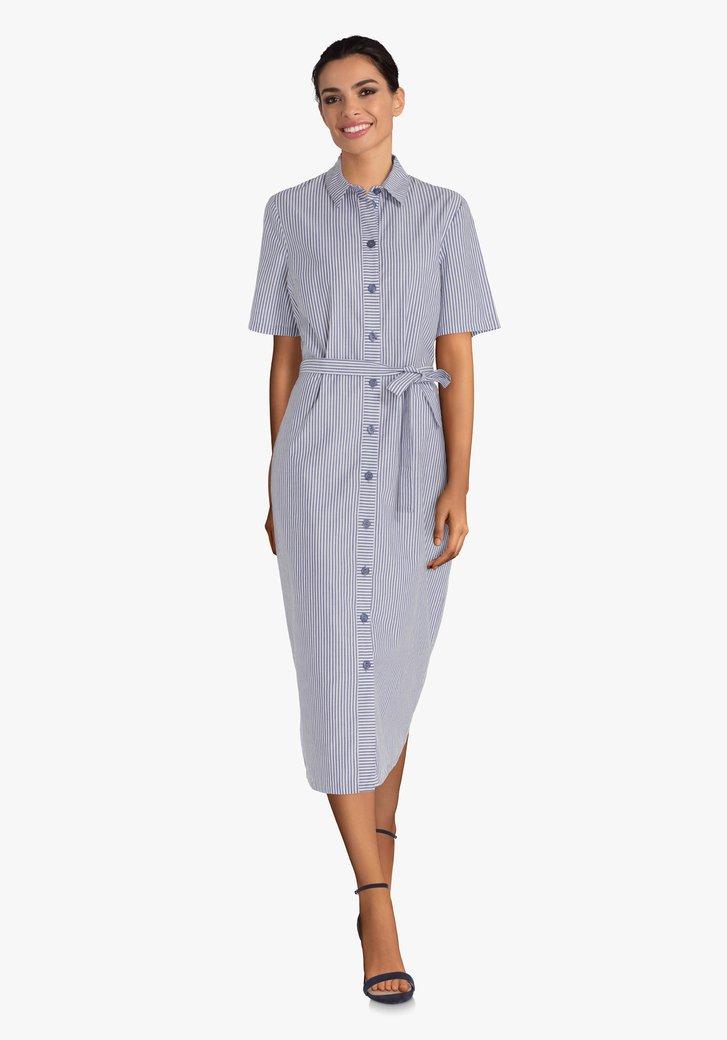 Wit hemdkleed met blauwe strepen en riem