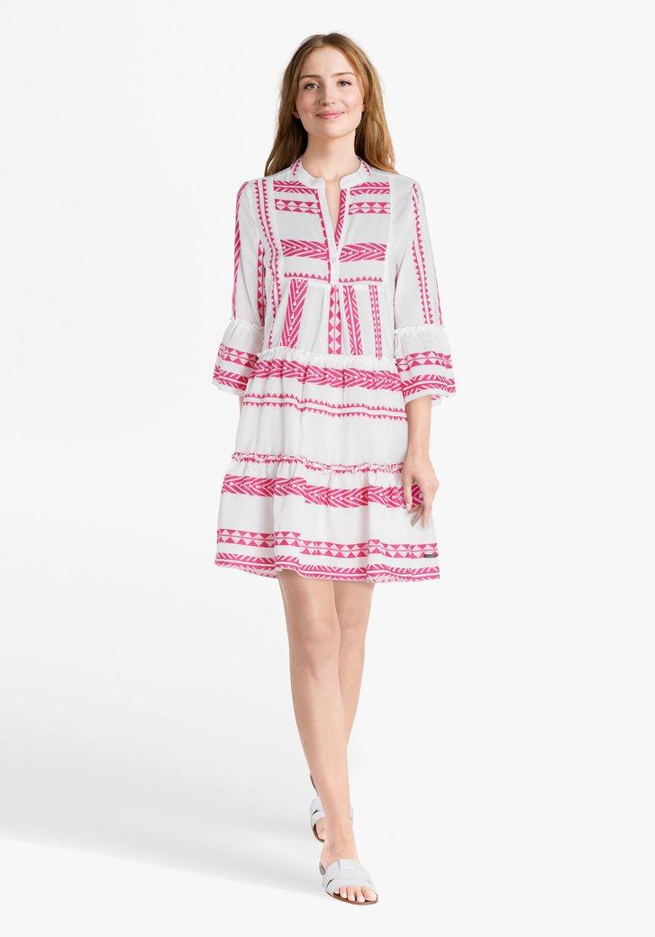 Wit kleed met roze print en ruches
