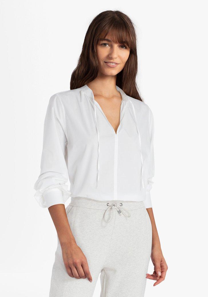 Witte blouse met brede mouwen