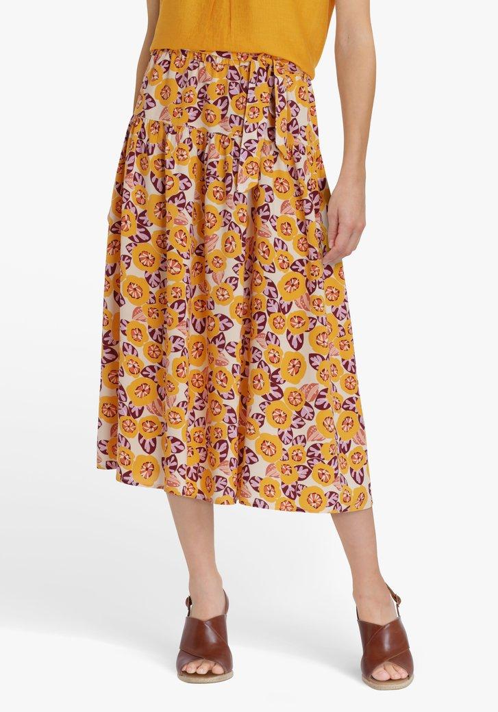 Witte rok met oranje bloemenprint