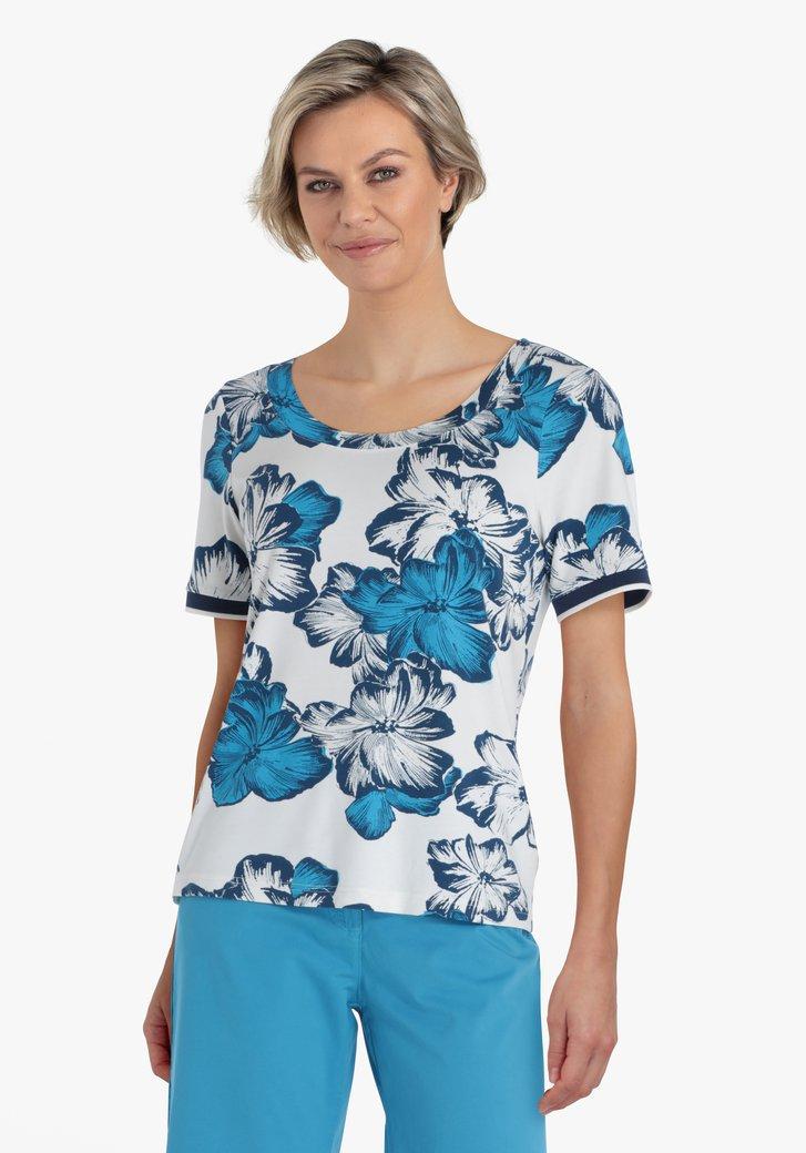 Witte T-shirt met blauwe bloemenprint