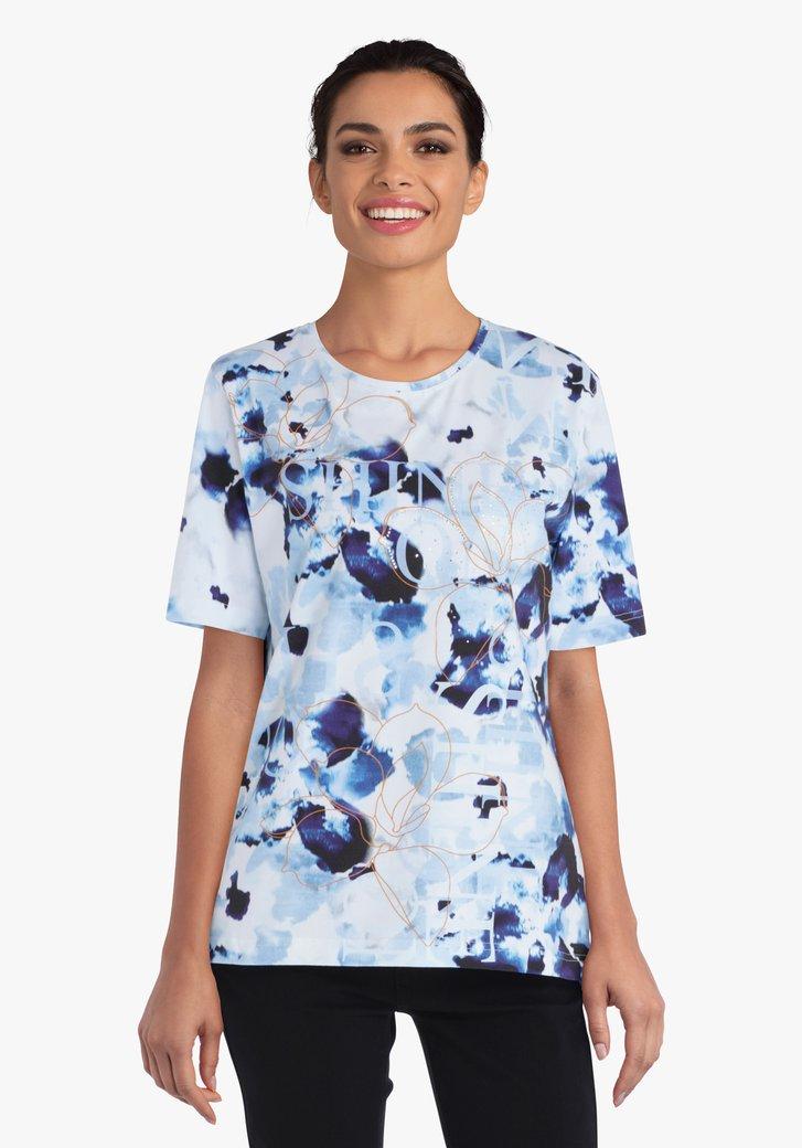 Witte T-shirt met blauwe vlekkenprint
