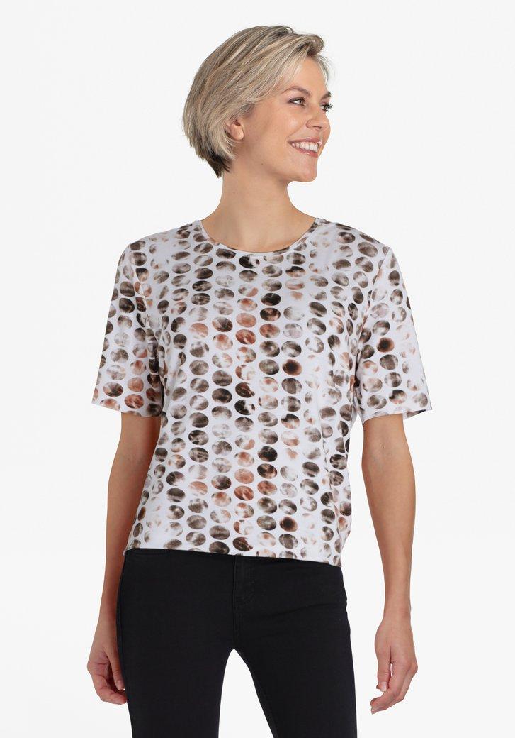 Witte T-shirt met bollen in bruintinten